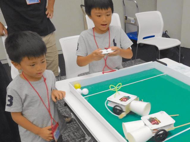 ロボットサッカー試合中の様子